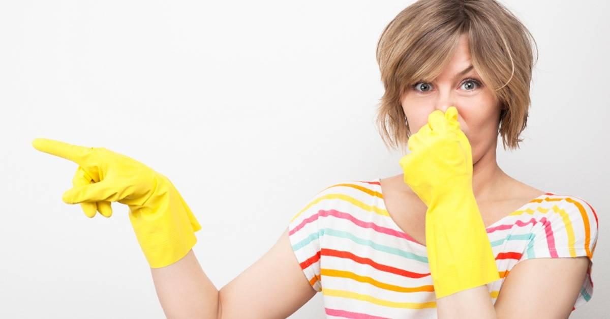 woman_yellow_gloves_FB.jpg