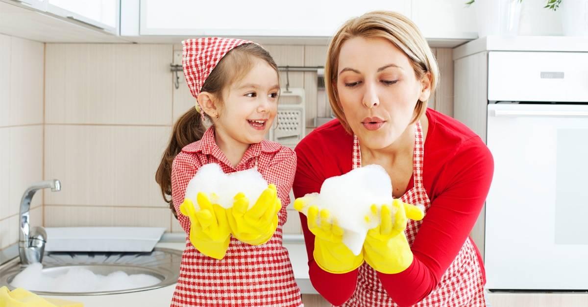 girls_blowing_suds_FB_.jpg